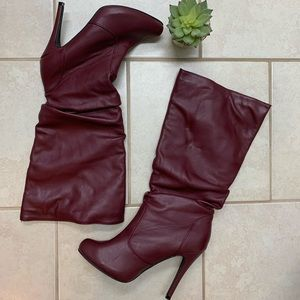 Cranberry faux leather high heeled boots 👢